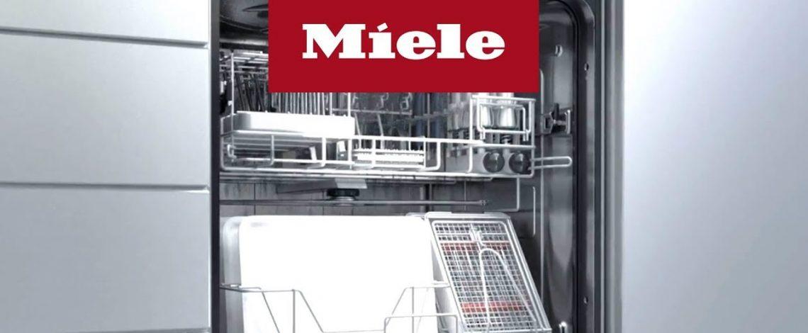 Nadležni iz njemačke kompanije Miele prepoznali su buduću saradnju Miele Centra Elda Lux i Medicinskog fakulteta univerziteta u Banjaluci. Prenosimo Vam članak iz stručnog biltena komore doktora stomatologije RS – DentalArt KDS. Modele iz ponude Miele termo-dezinfektora možete pronaći na sledećem linku:MIELE TERMO-DEZINFEKTORI